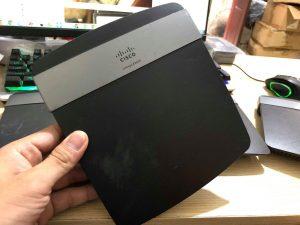 WiFi Router Linksys E2500 Dual-Band cũ đã qua sử dụng