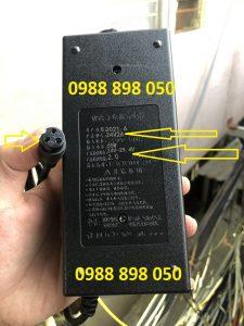 Sạc 29.4v cho xe điện dùng pin lithium 24v 2a chân tròn 3 lỗ