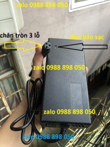 cục sạc xe điện 42v dùng pin lithium 36v chân tròn to 3 lỗ
