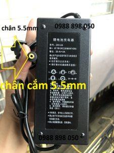 sạc 29.4v xe điện dùng pin Lithium 24v 2a chân tròn 5.5mm loại tốt